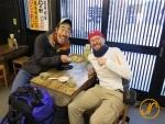 Mit dem jap. Komiker Nasubi während der Tohoku-Fahrradtour